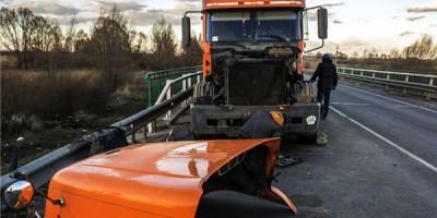damaged semi truck